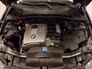 BMW 325xi 023